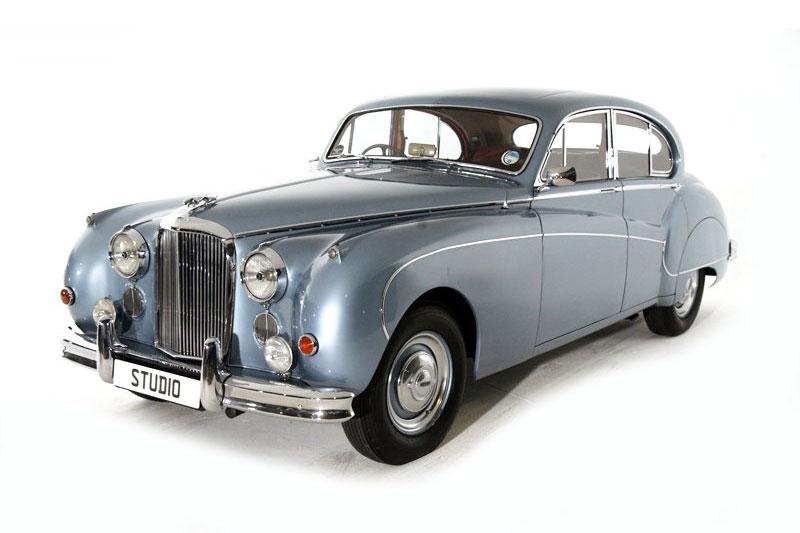 Jaguar Mk IX Saloon (1961)