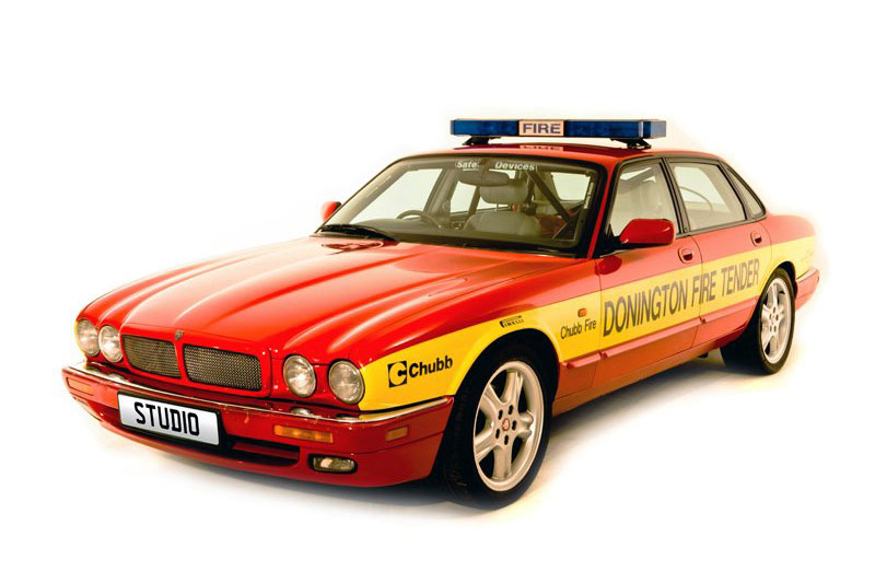 Jaguar XJR6 Fire Tender (1995)