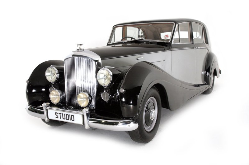Bentley Mk.VI by Freestone and Webb (1952)