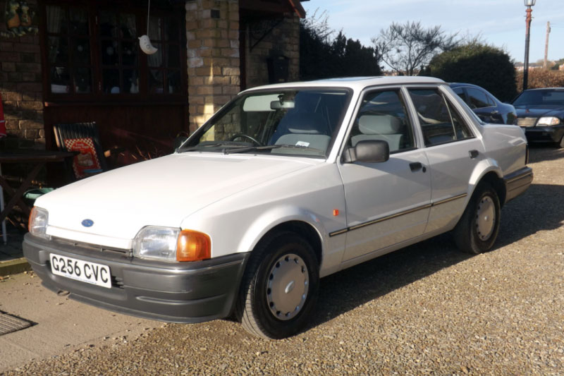 Ford Orion 1.4L (1990)
