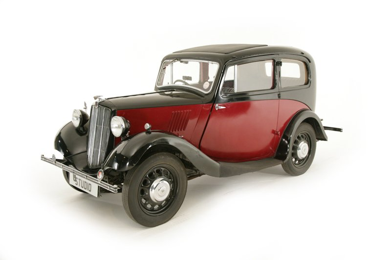 Morris 8 Saloon (1937)