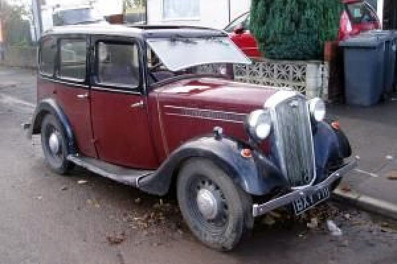 Wolseley Saloon (1946)